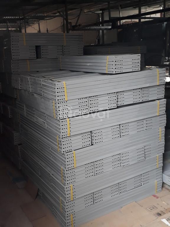 CS SX Kiến Nguyên chuyên sản xuất và cung cấp các sản phẩm sắt V lỗ