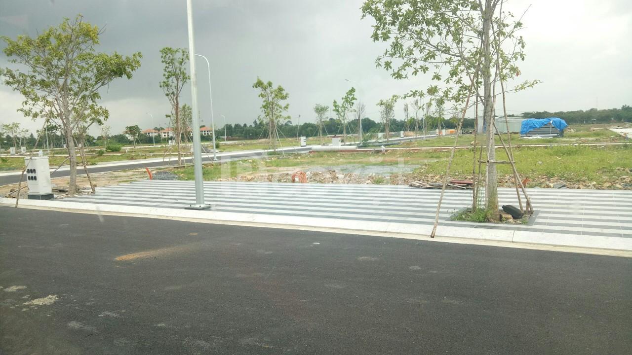 58m2 đất ngay MT Nguyễn Xiển và ngã 3 Lò Lu, giá 29 triệu/m2