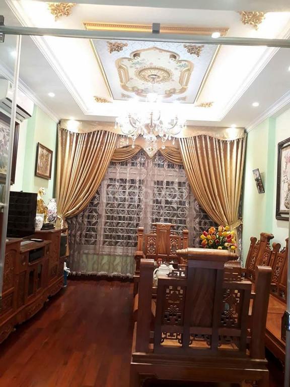 Bán nhà riêng khu vực Tôn Thất Tùng, MT 4m, 5 tầng, DT 42m2, 3.95 tỷ
