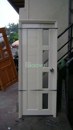 Cửa nhựa nhà vệ sinh giá rẻ (ảnh 1)