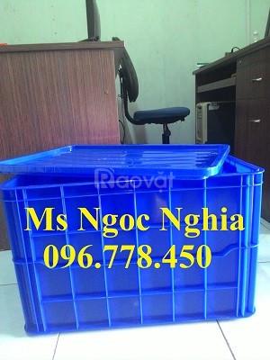 Bán thùng nhựa đặc bít giá cạnh tranh toàn quốc