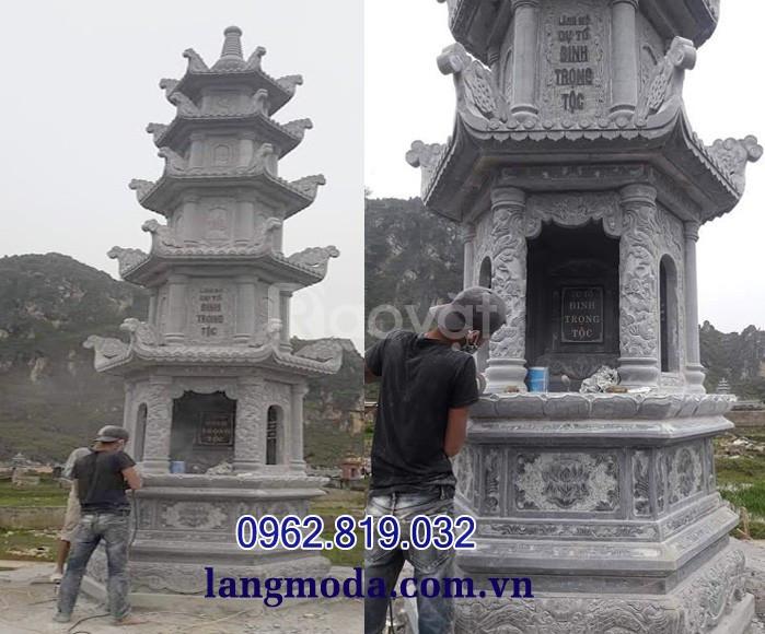Xây mẫu mộ hình tháp phật giáo đẹp bằng đá xanh đen