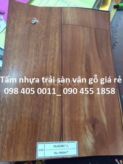 Bán nhựa trải sàn vân gỗ giá rẻ tại Hà Nội