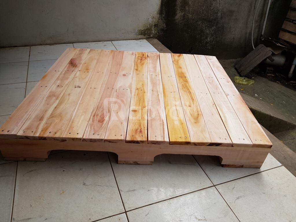 Pallet nhựa, pallet gỗ đã qua sử dụng giá rẻ