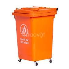 Thùng rác 60 lít có 4 bánh xe nhỏ