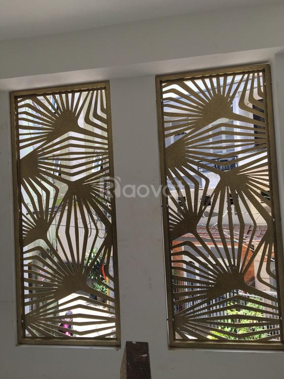 Thiết kế, gia công cửa nhôm, tấm hoa văn trang trí cửa kính