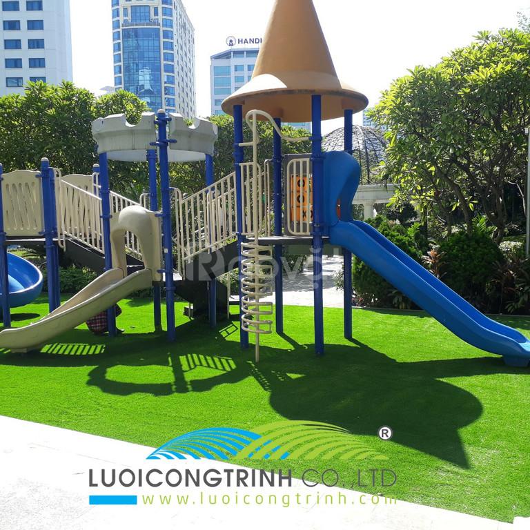 Cỏ nhân tạo giải pháp trang trí cho khu vui chơi trẻ em
