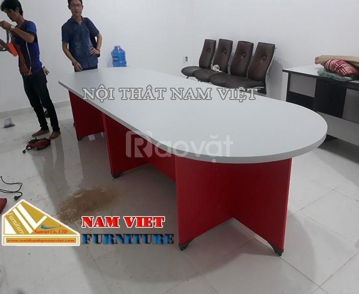 Sản xuất bàn họp văn phòng Nam Việt