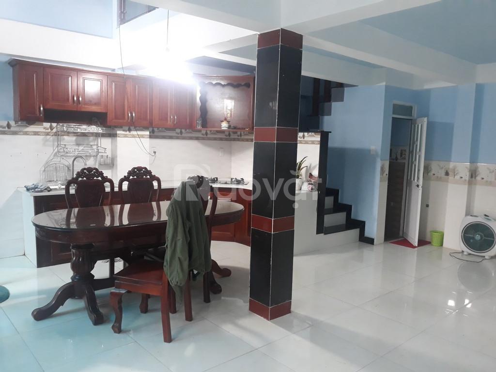 Cho thuê nhà 3,5 tấm, 3PN, 3WC, nội thất, P.L Xuân, Thủ Đức (ảnh 3)