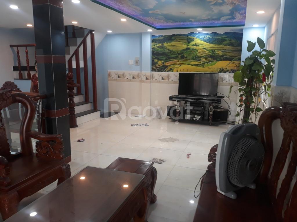 Cho thuê nhà 3,5 tấm, 3PN, 3WC, nội thất, P.L Xuân, Thủ Đức (ảnh 1)