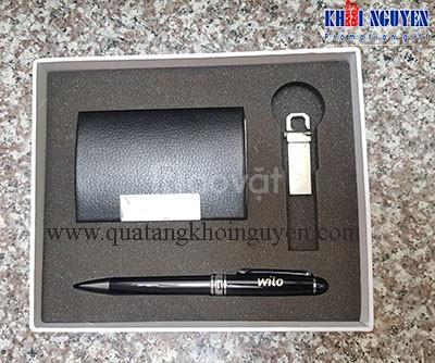 Cung cấp quà tặng: bút ký, bình giữ nhiệt, bình đựng nước, usb,...