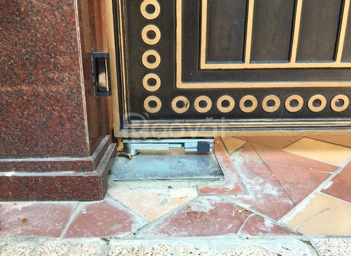Cổng cửa tự động - môtô âm sàn