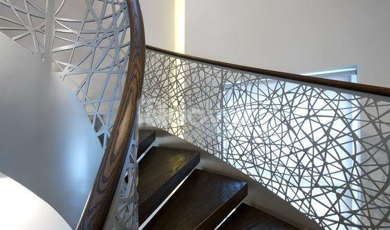 Lan can cầu thang sắt mỹ thuật hiện đại cao cấp cho biệt thự, nhà phố