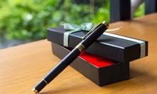 Bút gỗ mun nắp