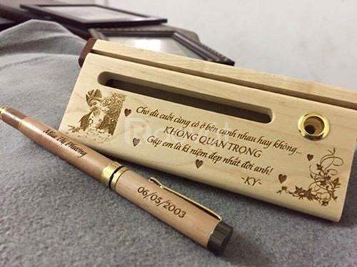 Combo hộp có khe name card và bút nắp trắng