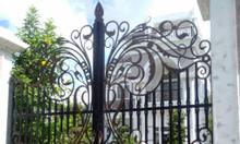 Những mẫu cổng nghệ thuật sắt uốn, sắt CNC sang trọng, cao cấp