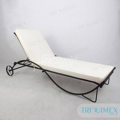 Giường nằm thư giãn ngoài trời sắt nghệ thuật tại Triquimex