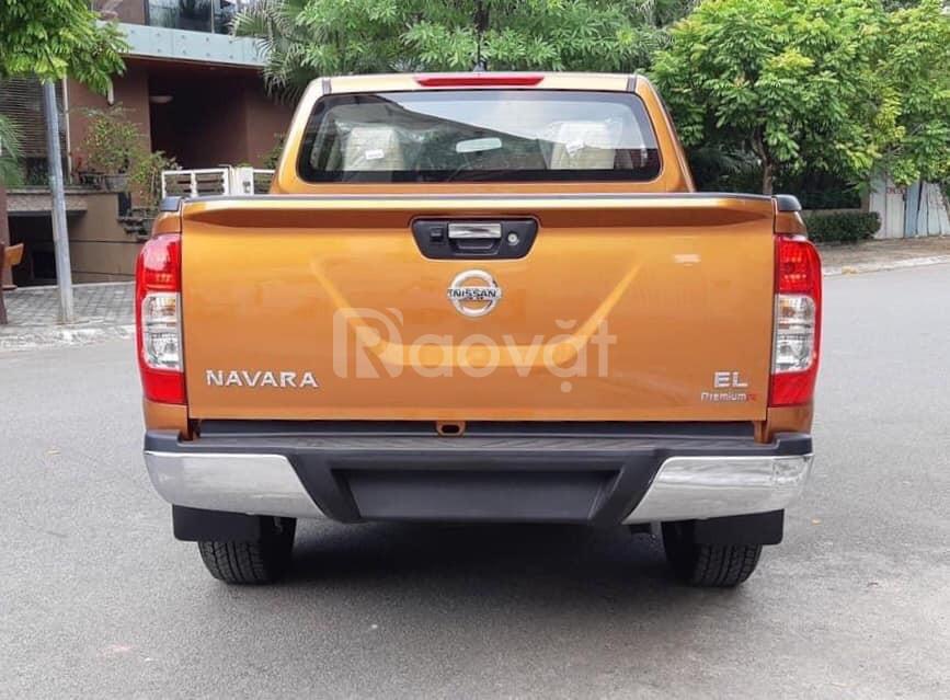 Nissan Navara giá rẻ cuối năm