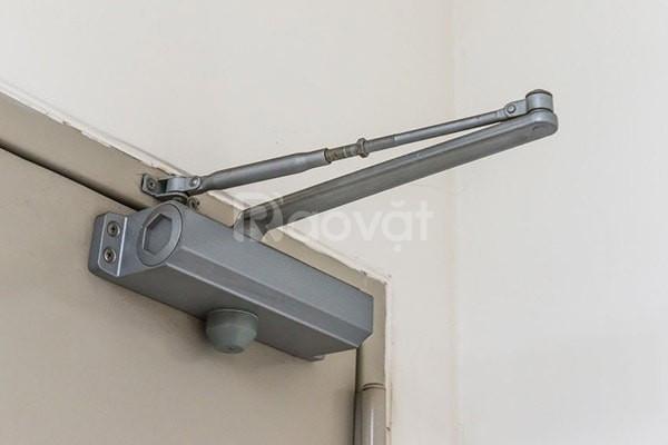 Thợ sửa cùi chỏ cửa tự đống tại TPHCM lưu động