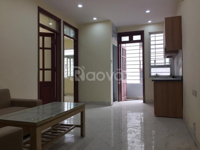Bán chung cư Khương Đình - Ngã Tư Sở, diện tích 45m2, giá 698 triệu