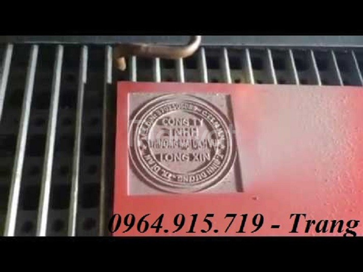 Máy Laser3020 khắc dấu cao su, khắc dấu tròn, dấu chức danh