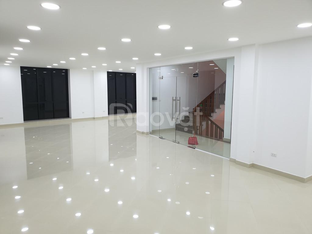 Cho thuê văn phòng 160 Phạm Văn Đồng Hà Nội