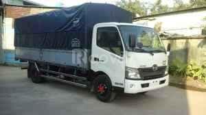 Đang bán các dòng xe tải Hino 1.9 tấn, thùng mui bạt giá hợp lý