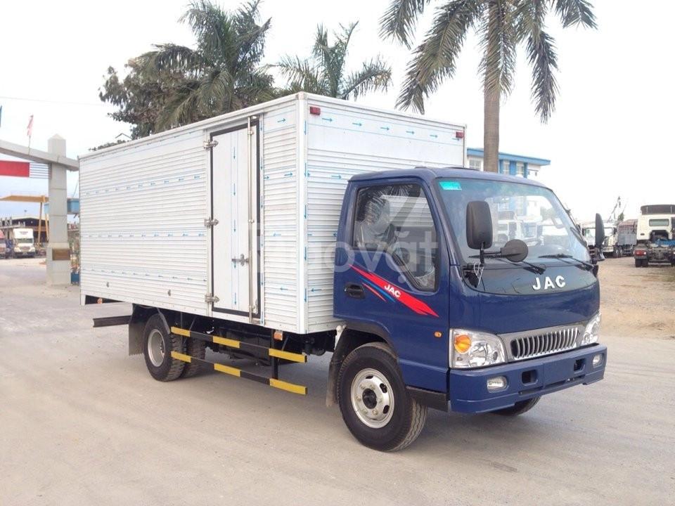 Bán xe tải JAC 5T- thùng mui bạt