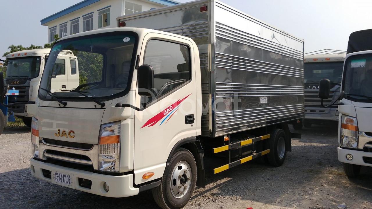 Xe tải jac 3.5 tấn thùng kín