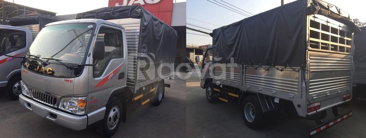 Xe tải jac 2.5t 2 thùng mui bạt