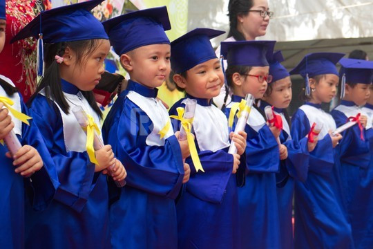 Xưởng may áo tốt nghiệp mầm non giá rẻ Đồng Nai