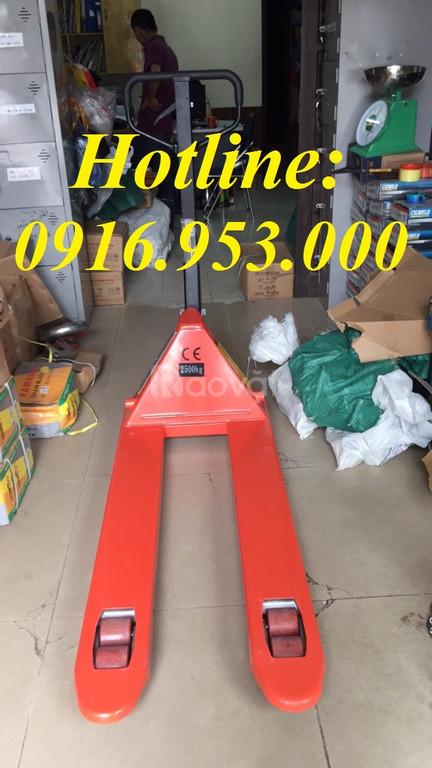 Xe nâng tay kondotec 2,5 tấn cang hẹp
