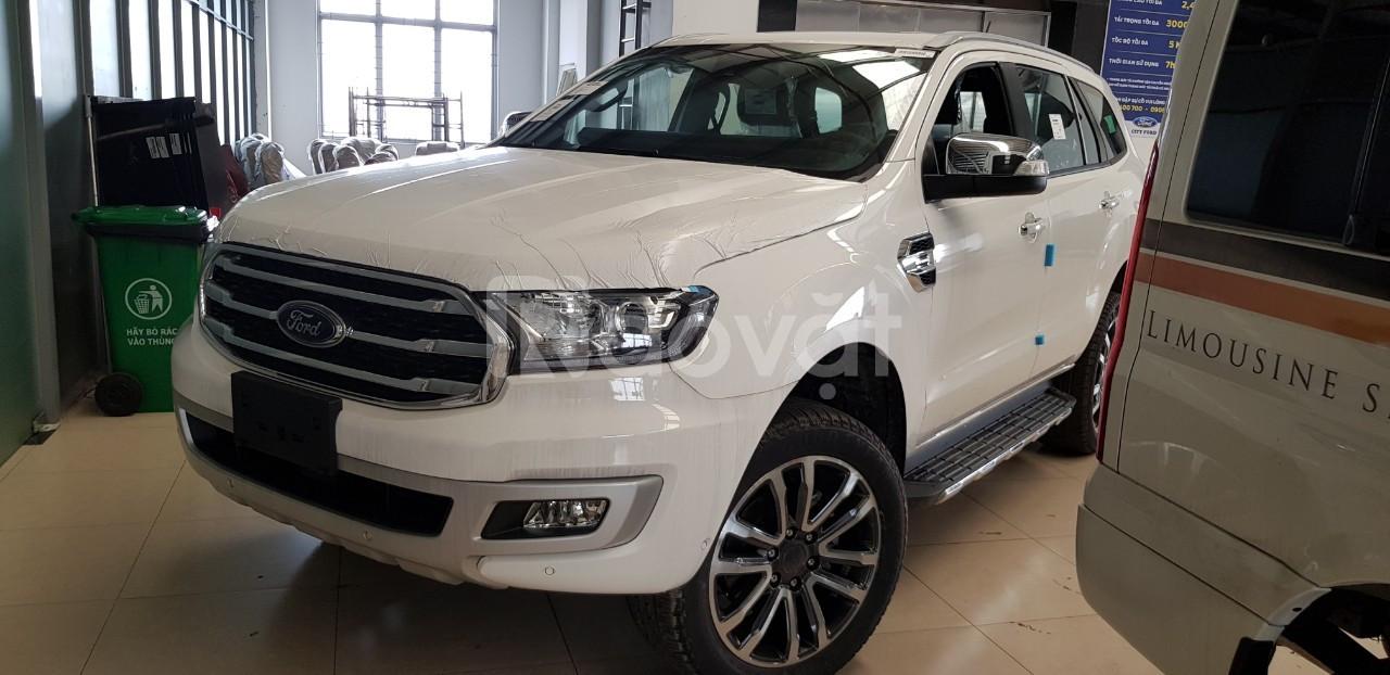 Ford Everest, đủ màu, giao ngay, quà tặng ngập tràn