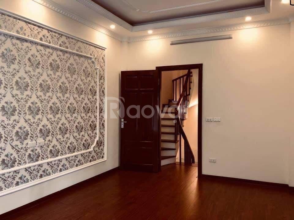 Nhà đẹp 52m* 5T phố Tôn Đức Thắng, Đống Đa gần phố giá tốt 5.1 tỷ.