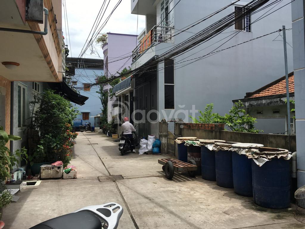 Bán nhà ngay chợ Bình Trị Đông cũ