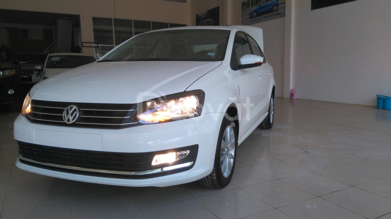 Bán xe Volkswagen Polo Seadan số sàn giá tốt
