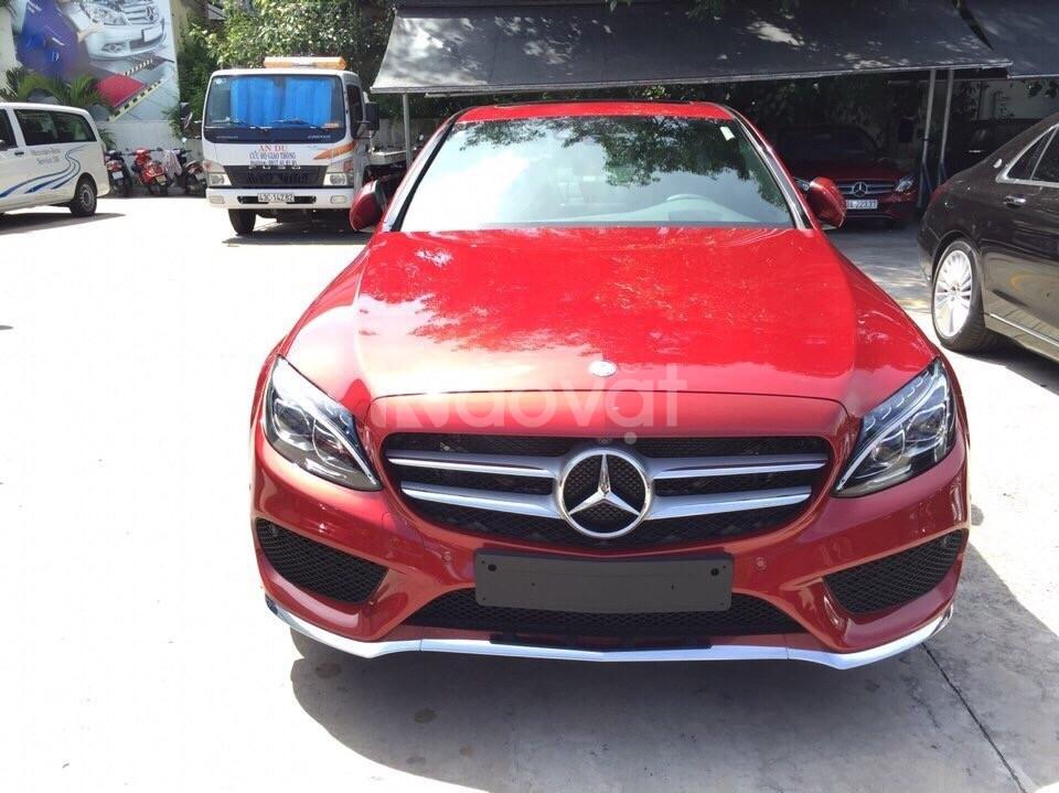 Bán xe Mercedes C300 mới bản full option