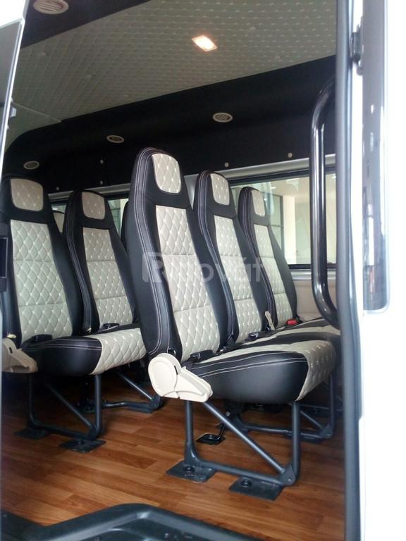 Ford Transit, giá tốt thị trường, tặng combo phụ kiện