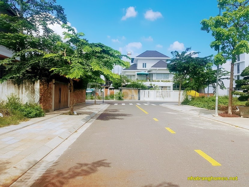 Bán biệt thự VCN Phước Hải, sang trọng Nha Trang