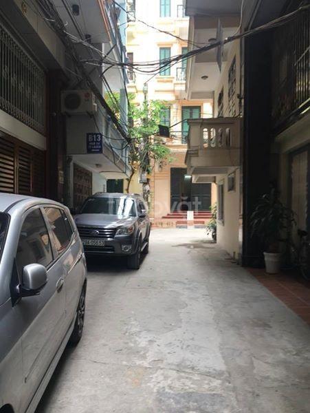 Bán nhà trong ngõ 9 Hoàng Quốc Việt DT 55m2, 5 tầng giá 4.8 tỷ