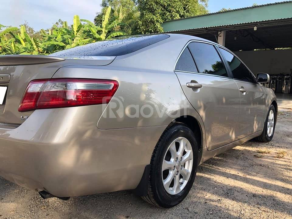 Bán gấp xe Toyota Camry LE 2008 nhập Mỹ