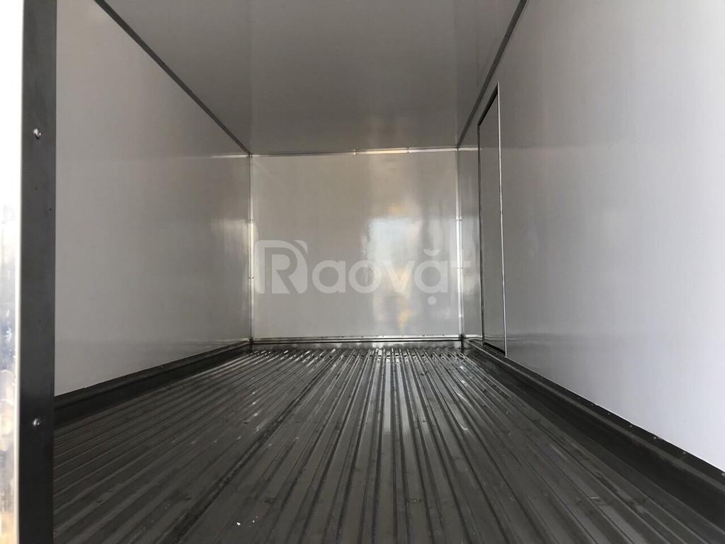 Xe tải hino 3t5 thùng bảo ôn, (đông lạnh)