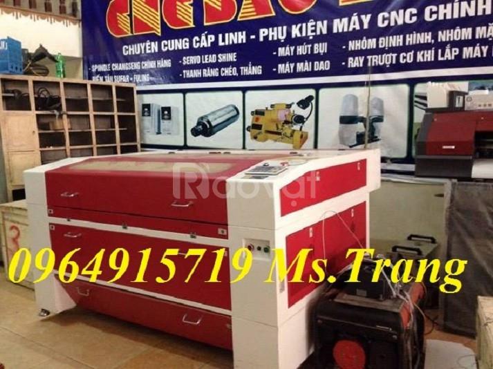 Máy Laser 1390 cắt khắc quảng cáo tại Hưng Yên