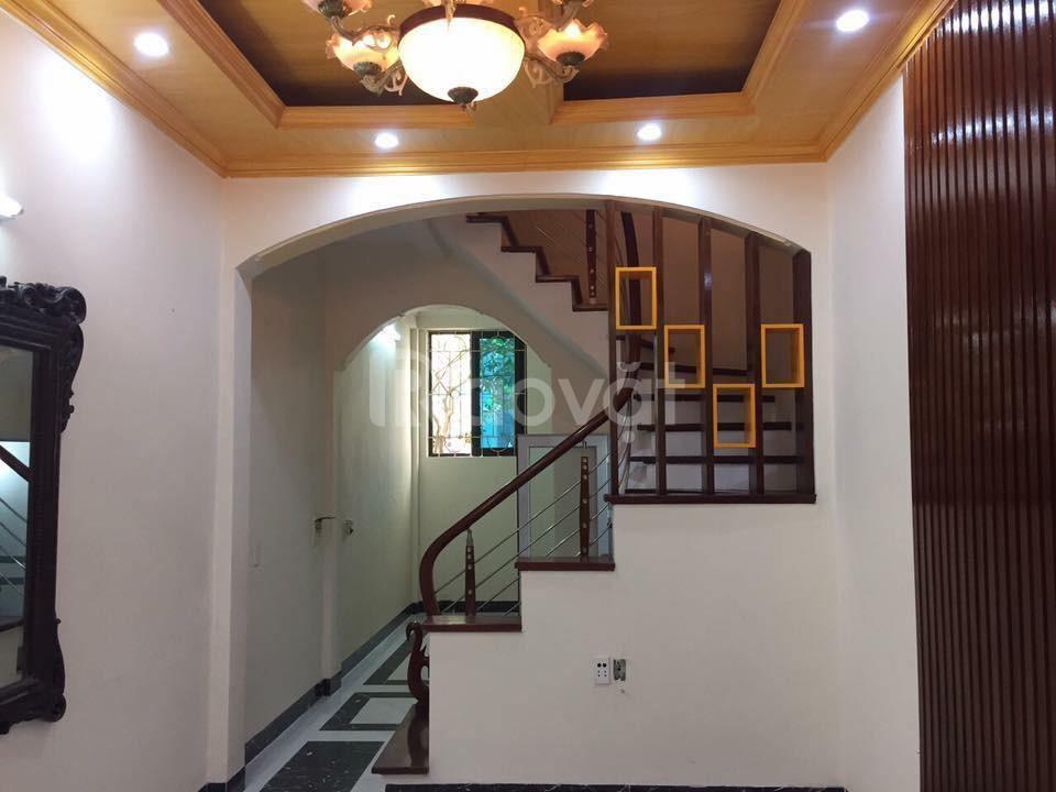Bán nhà chính chủ ngõ 89 Lạc Long Quân, diện tích 34 m2 x 5 tầng