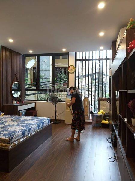 Bán nhà trong ngõ 16 - Dương Quảng Hàm ngõ rộng, nông DT 55m2