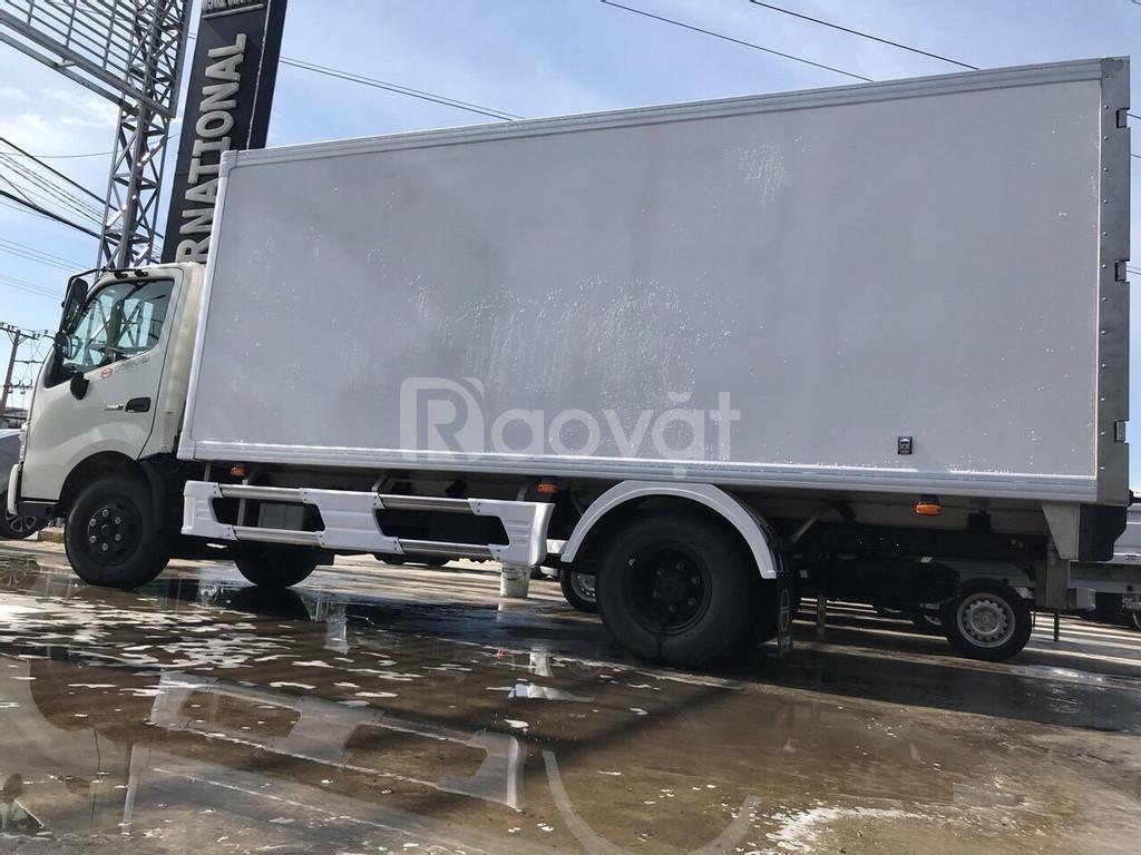Xe tải hino thùng đông lạnh 3t5