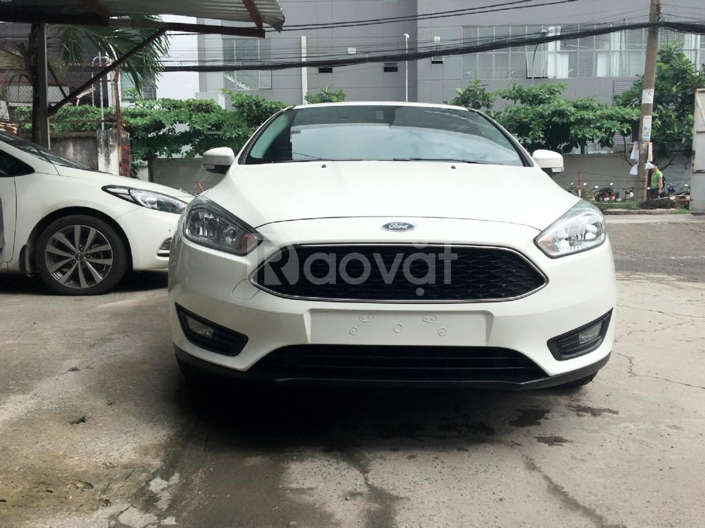 Ford Focus, giá tốt thị trường, xe giao ngay, đủ màu