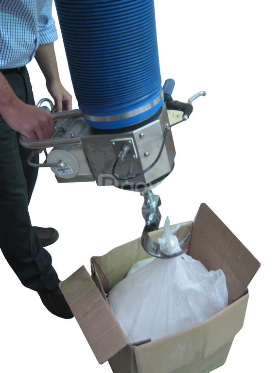 Giải pháp nâng bao nguyên liệu, dùng thiết bị nâng chân không