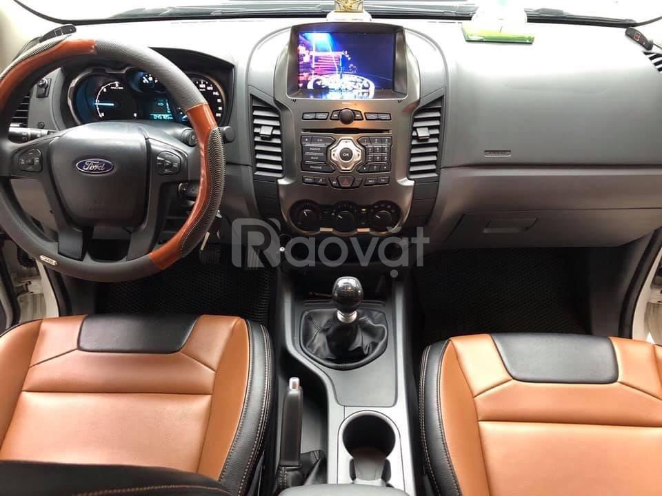 Bán xe Ford Ranger 2017 bản XLS số sàn màu đỏ mận