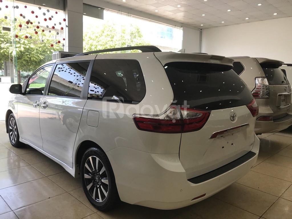 Bán Toyota Sienna 3.5 Limited, 2019, màu trắng nội thất nâu, mới 100%